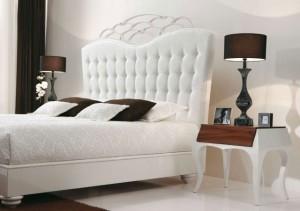 chambre-romantique-blanc-marron-lampes-chevet