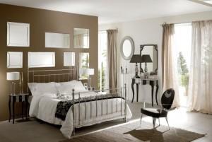 idées-déco-chambre-coucher-taupe-miroirs-mur